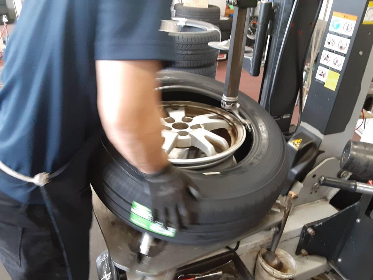 ネット購入 持ち込みタイヤ交換 軽用 16インチまで 工賃・組替 バランス・脱着